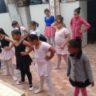 Moradia e Cidadania/SP beneficia diversas moradoras da comunidade através de aulas de ballet