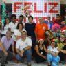 Entrega de kits natalinos marca o fim de ano de crianças e adolescentes