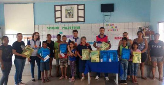 Coordenação RO/AC entrega kits escolares a 132 alunos beneficiados por seus projetos!