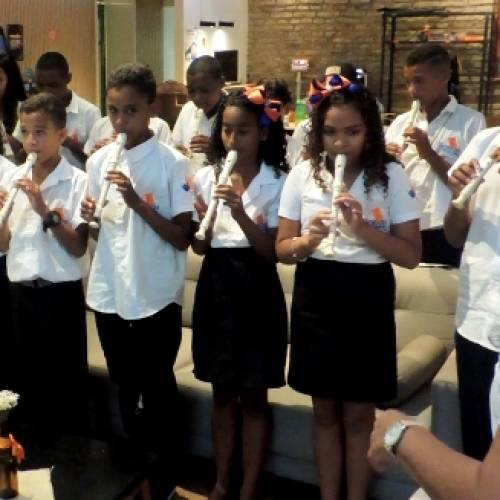 Coordenação PE: Crianças do Projeto Aprendendo a Vencer fazem primeira apresentação em evento do Cesar